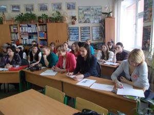 Подробности руководитель ансамбля - лн шарунова,учитель музыки мбоу гимназия